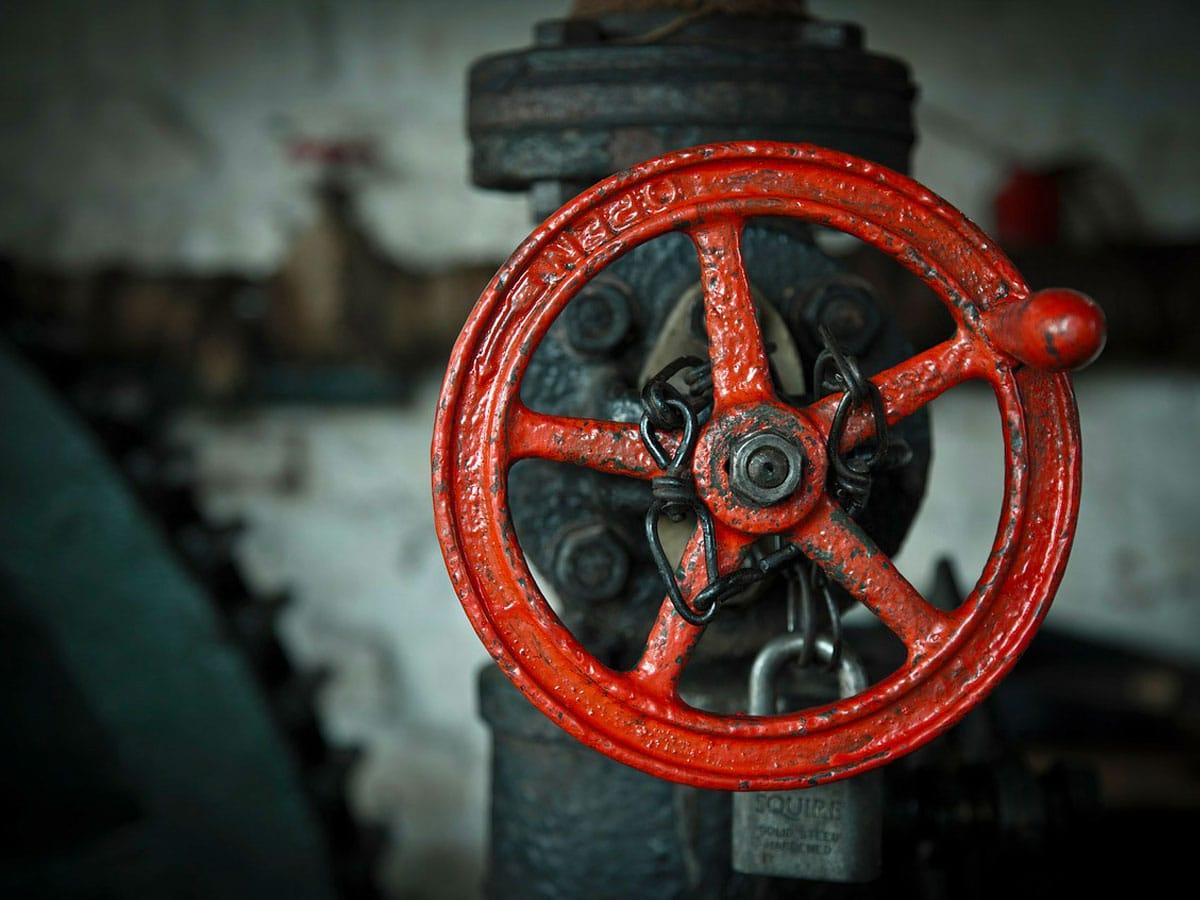 corrosione industriale tubi e valvole